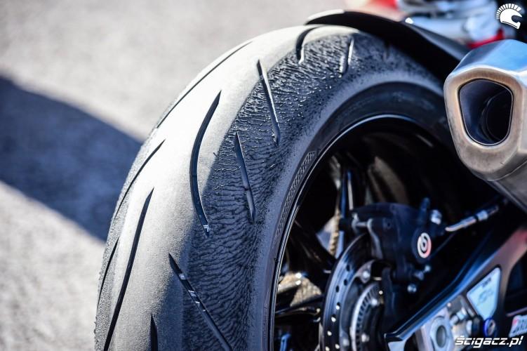 BMW S1000RR 2019 testy tor Estoril 08