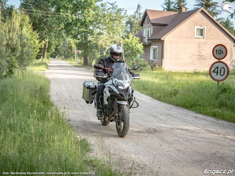 29 Benelli TRK502X 62 wioska