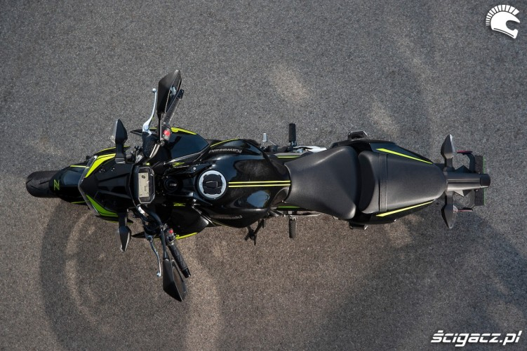 14 Kawasaki Z650 2020 zgory
