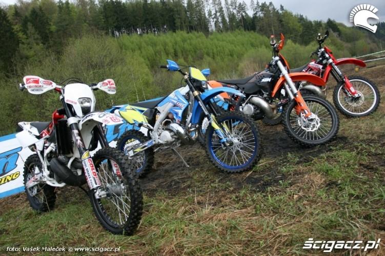 GasGas EC300 KTM300EXCE TM EN300 Husqvarna WR300 test motocykle