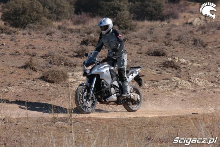 Honda CrossToure YM12 polna droga
