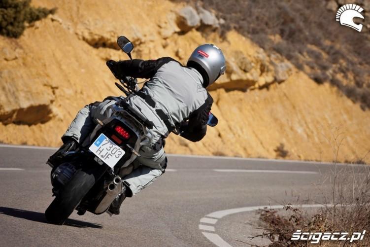 Honda CrossToure YM12 zakret
