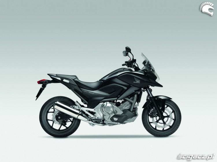 Czarna Honda NC700X YM 2012