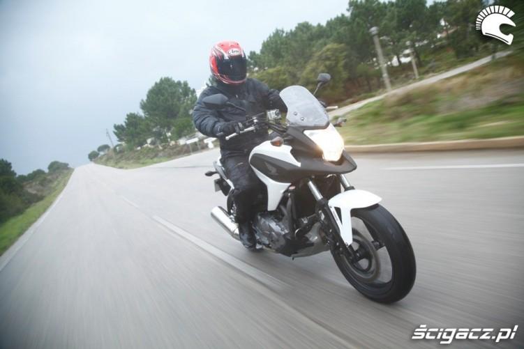 Mokro Honda NC700X