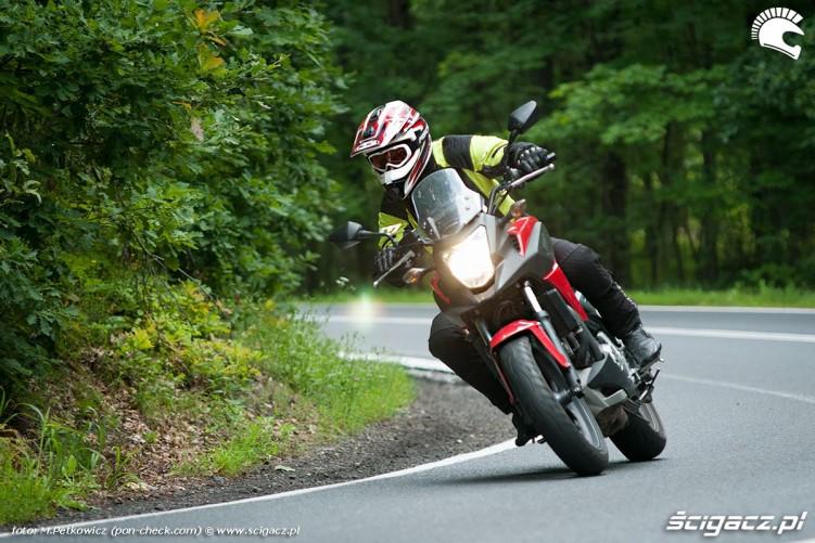 Czerwona Honda NC700X 2012