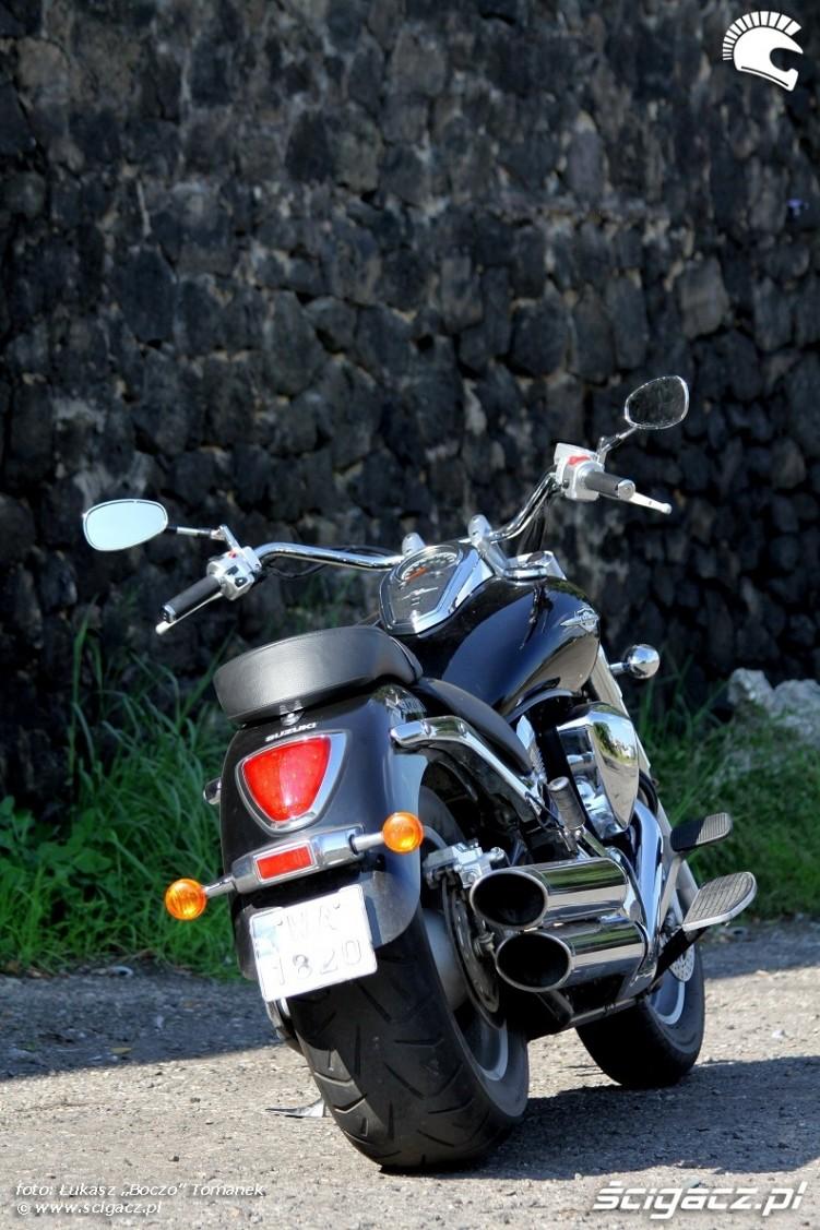 tyl motocykla Suzuki Intruder C1800R