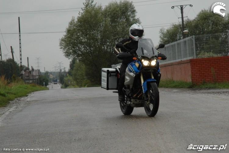 asfaltowa droga Yamaha XT1200Z Super Tenere