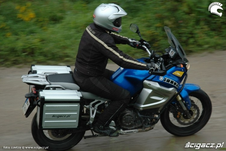 od gory Yamaha XT1200Z Super Tenere