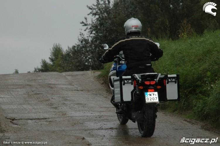 po plytach Yamaha XT1200Z Super Tenere