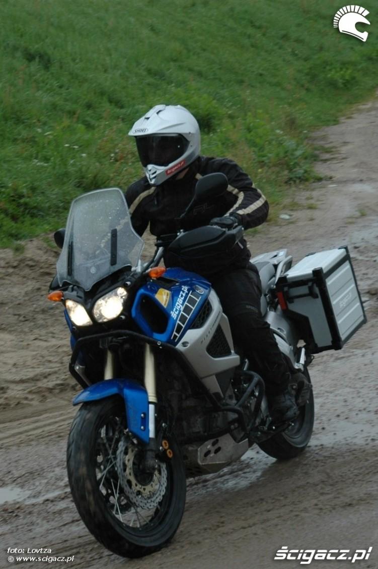 zakret Yamaha XT1200Z Super Tenere