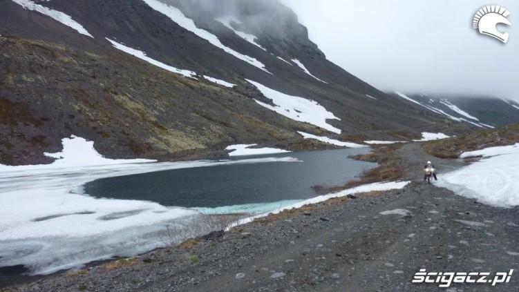 jezioro w gorach