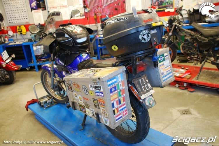 1 La Garota Yamaha 125 YBR