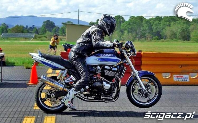 dynamiczny start Suzuki GSX 1400