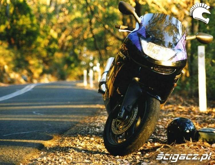 Kawasaki ZX6R 1998 black