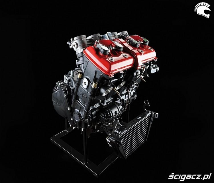 2010 MV Agusta F4 silnik