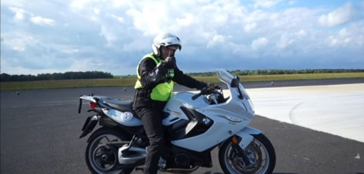 Szkolenia Doskonalenia Techniki Jazdy Artur Wajda Moto Excelence School