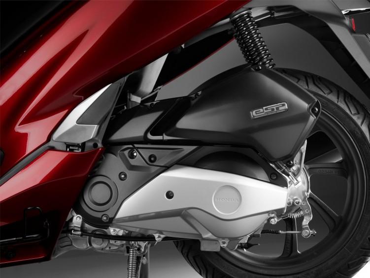 2018 Honda PCX125 01