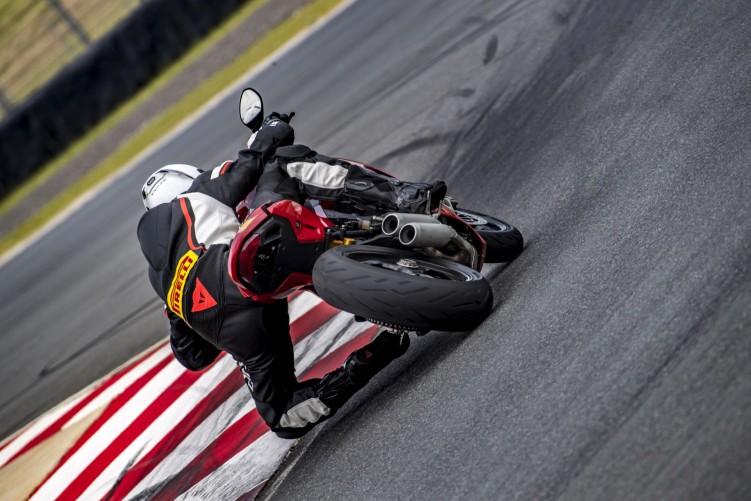 Pirelli Diablo Rosso Corsa II 1