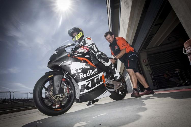 Moto2 Triumph testing 2019 04