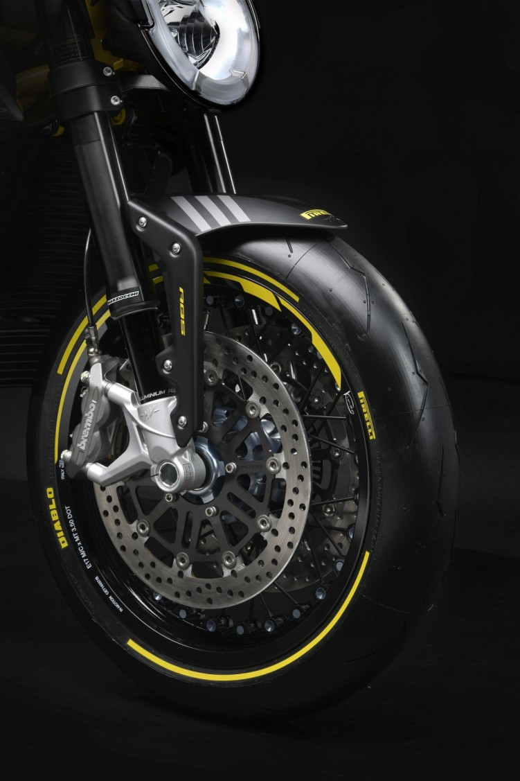dragster 800 rr pirelli 4