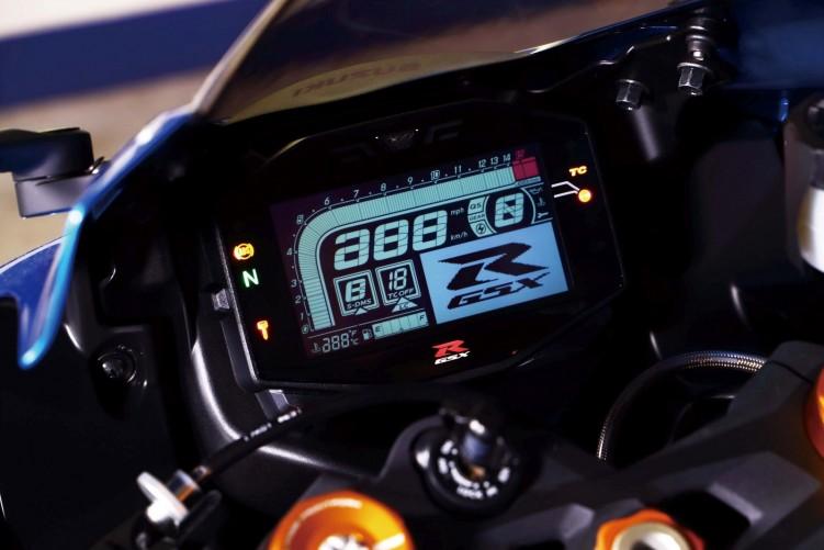 2019 Suzuki GSX R 1000 action 49