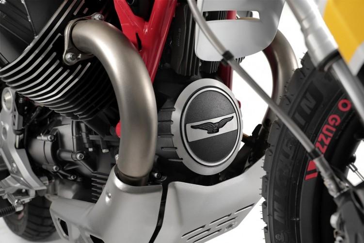 16 Moto Guzzi V85 TT