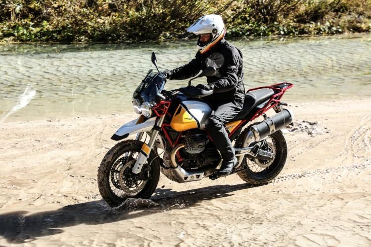 50 Moto Guzzi V85 TT