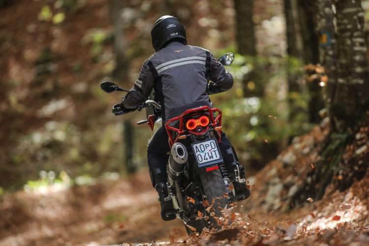 60 Moto Guzzi V85 TT