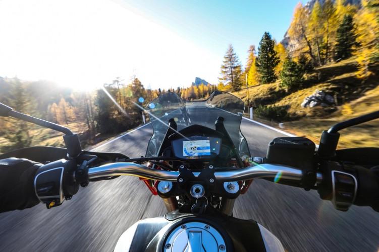 64 Moto Guzzi V85 TT