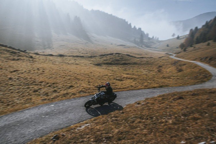 Ducati XDiavel Black Star 2021 8