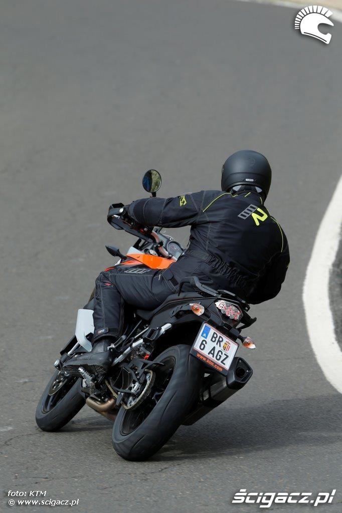 KTM 1050 Adventure zmiana kierunku