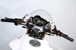 Moto FGR Midalu 2500 V6 kokpit