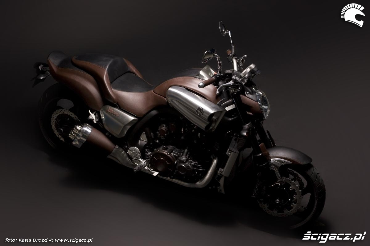 Bikes World: Yamaha V-Max 2011