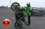 Kawasaki Z1000 Stunt Riding