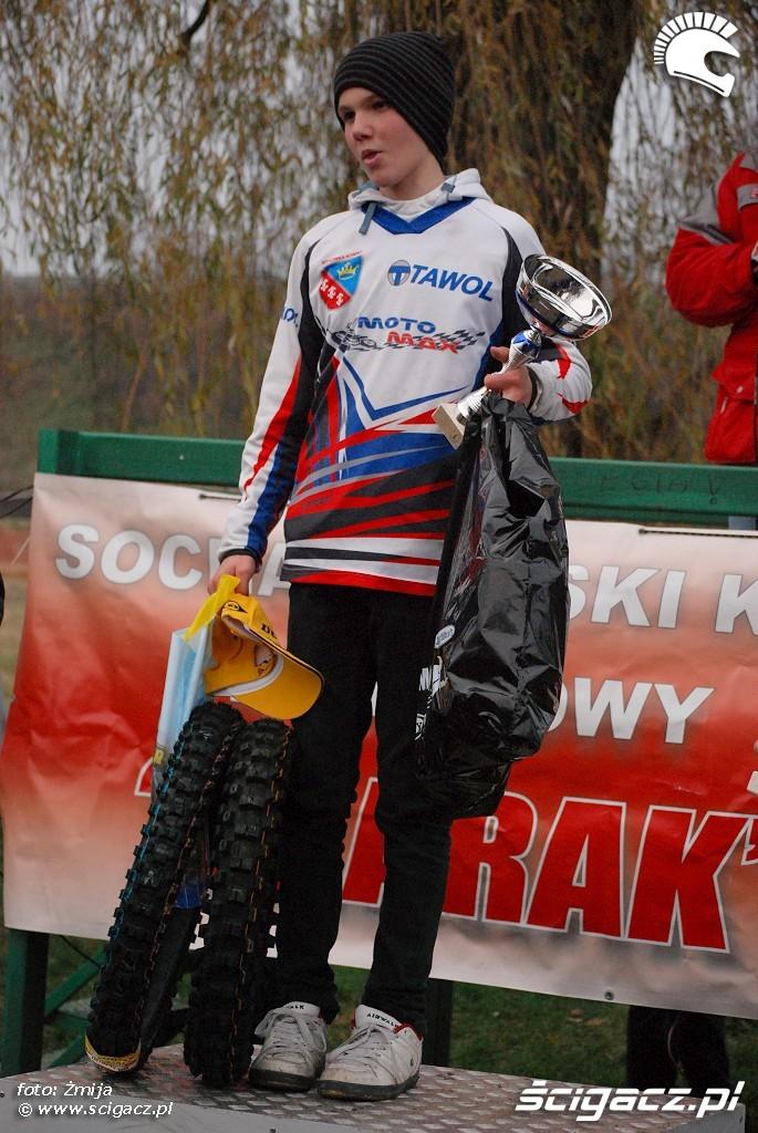 podium Piotr Szczepanek miejsce 1 MX85