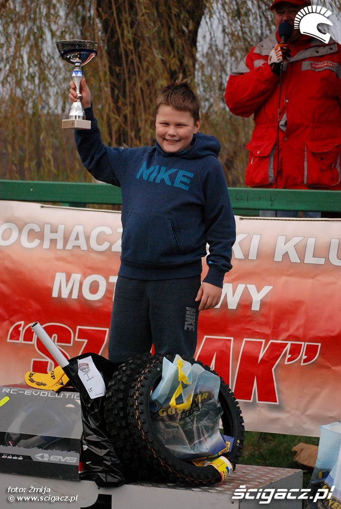 podium Wiktor Malecki miejsce 1 MX65