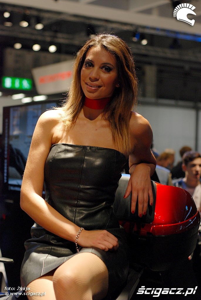 eicma 2014 hostessa