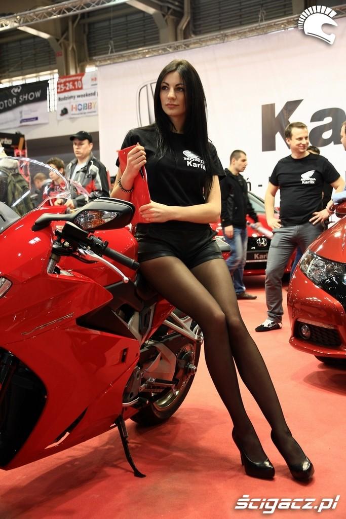 Zdjęcia: hostessa Honda - Piekne dziewczyny na Poznan Motor Show