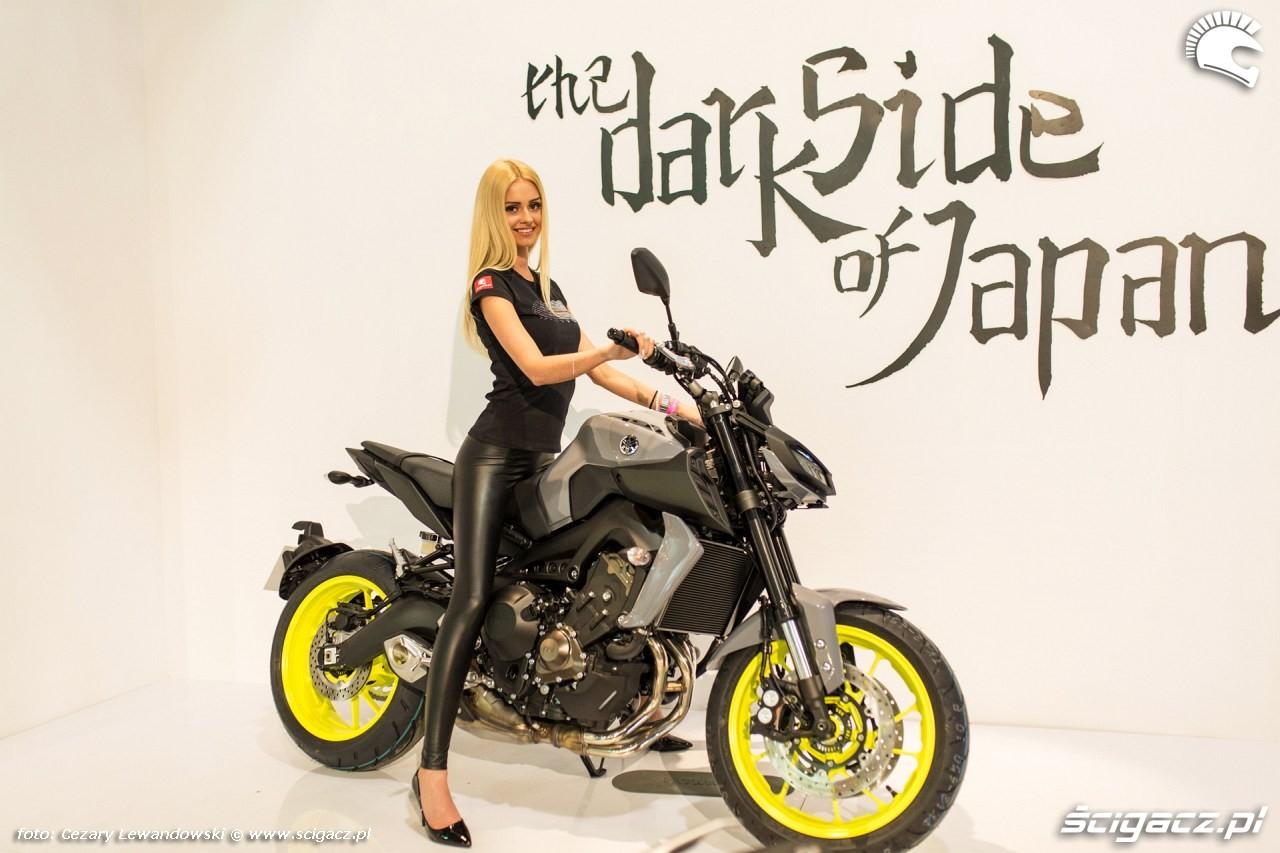 Wystawa motocykli i skuterow Moto Expo 2017 laska dark side yamaha