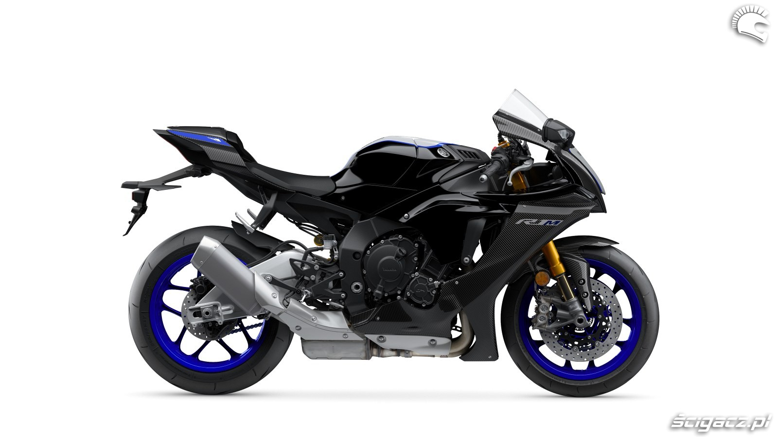 100 Yamaha R1 2020 studio 2