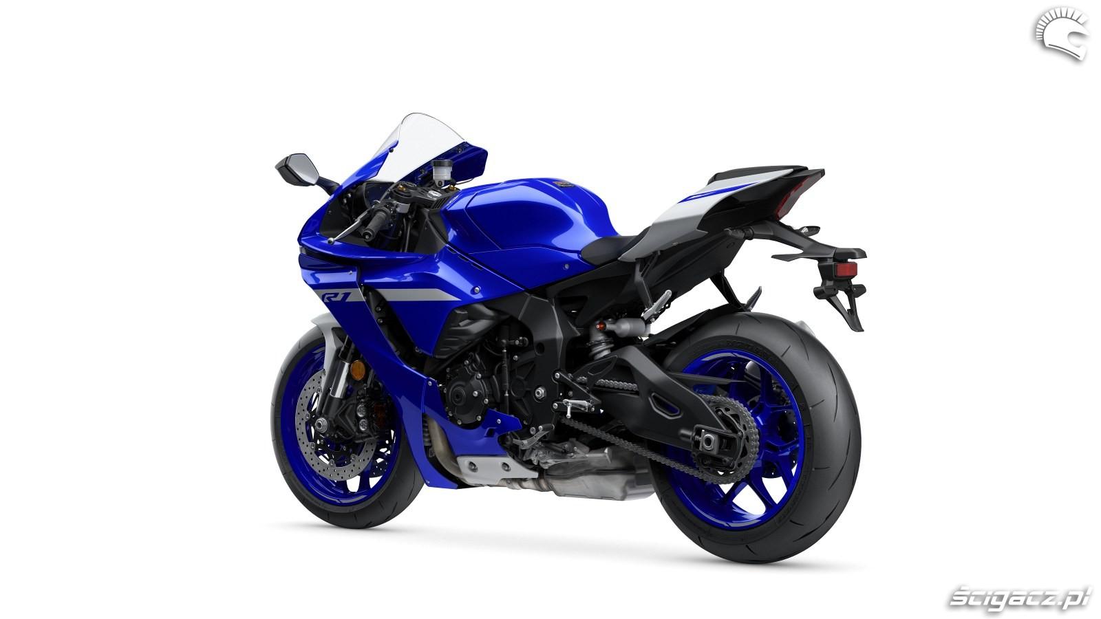 104 Yamaha R1 2020 studio 6