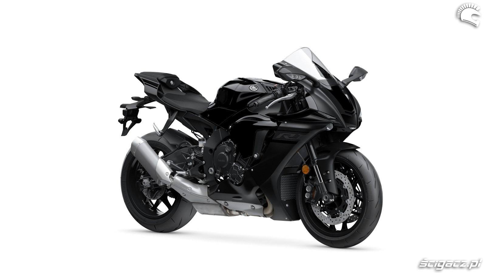 105 Yamaha R1 2020 studio 7