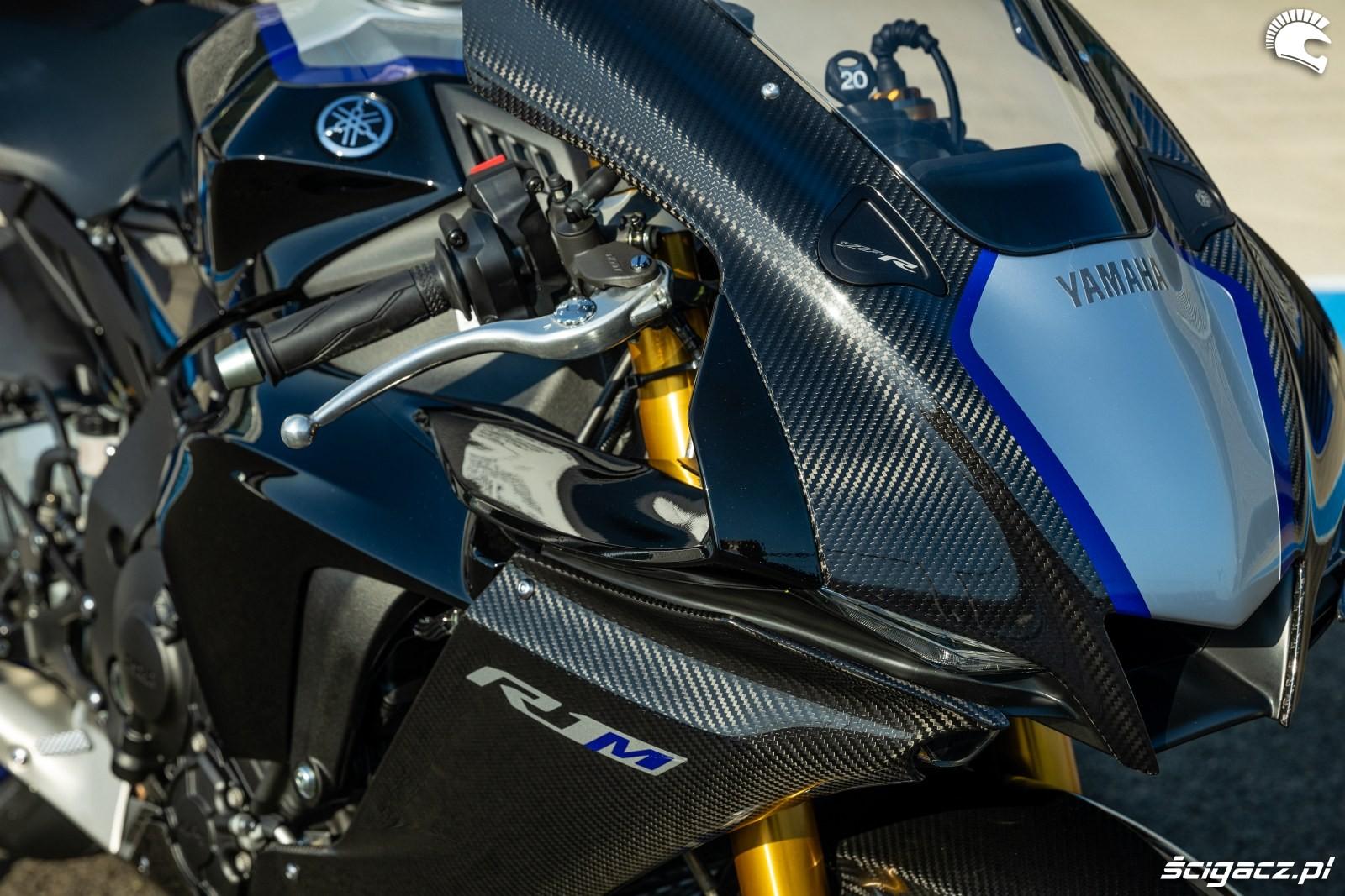 Yamaha R1 M 2020 detale 10