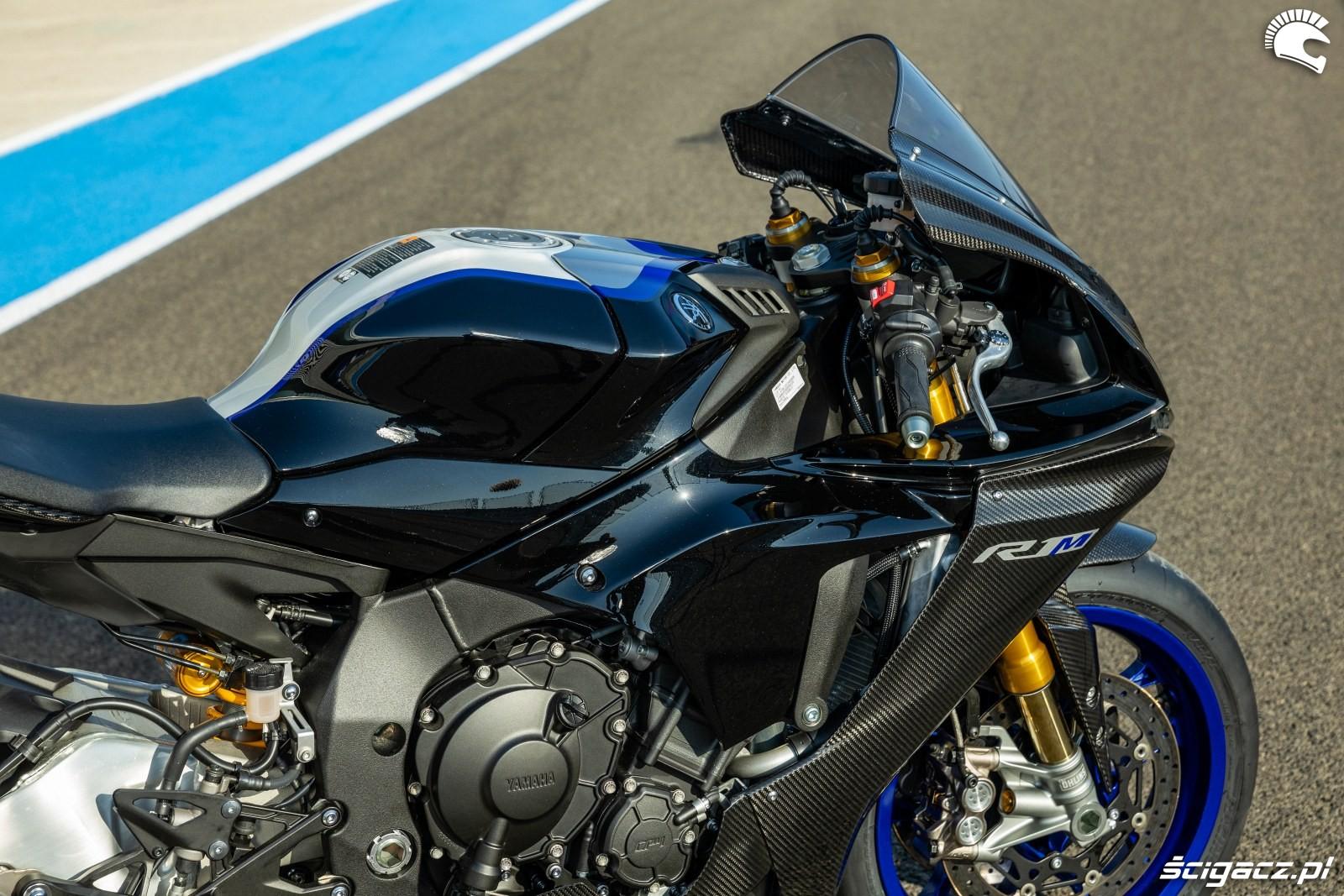 Yamaha R1 M 2020 detale 11