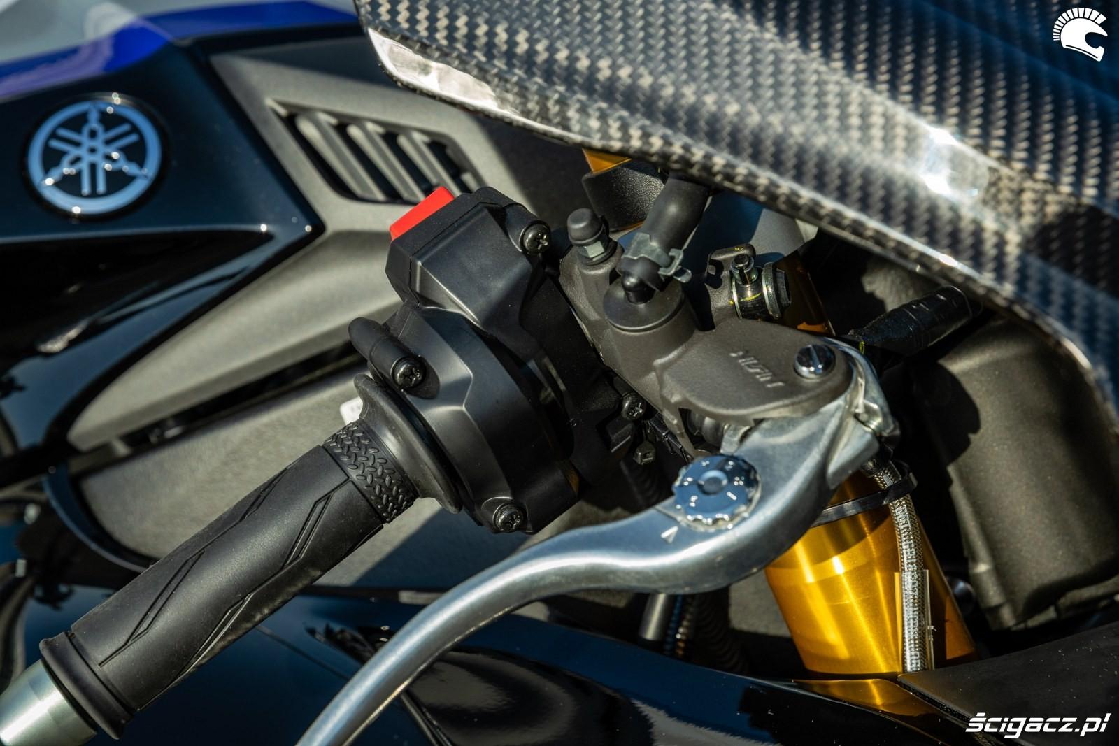 Yamaha R1 M 2020 detale 12