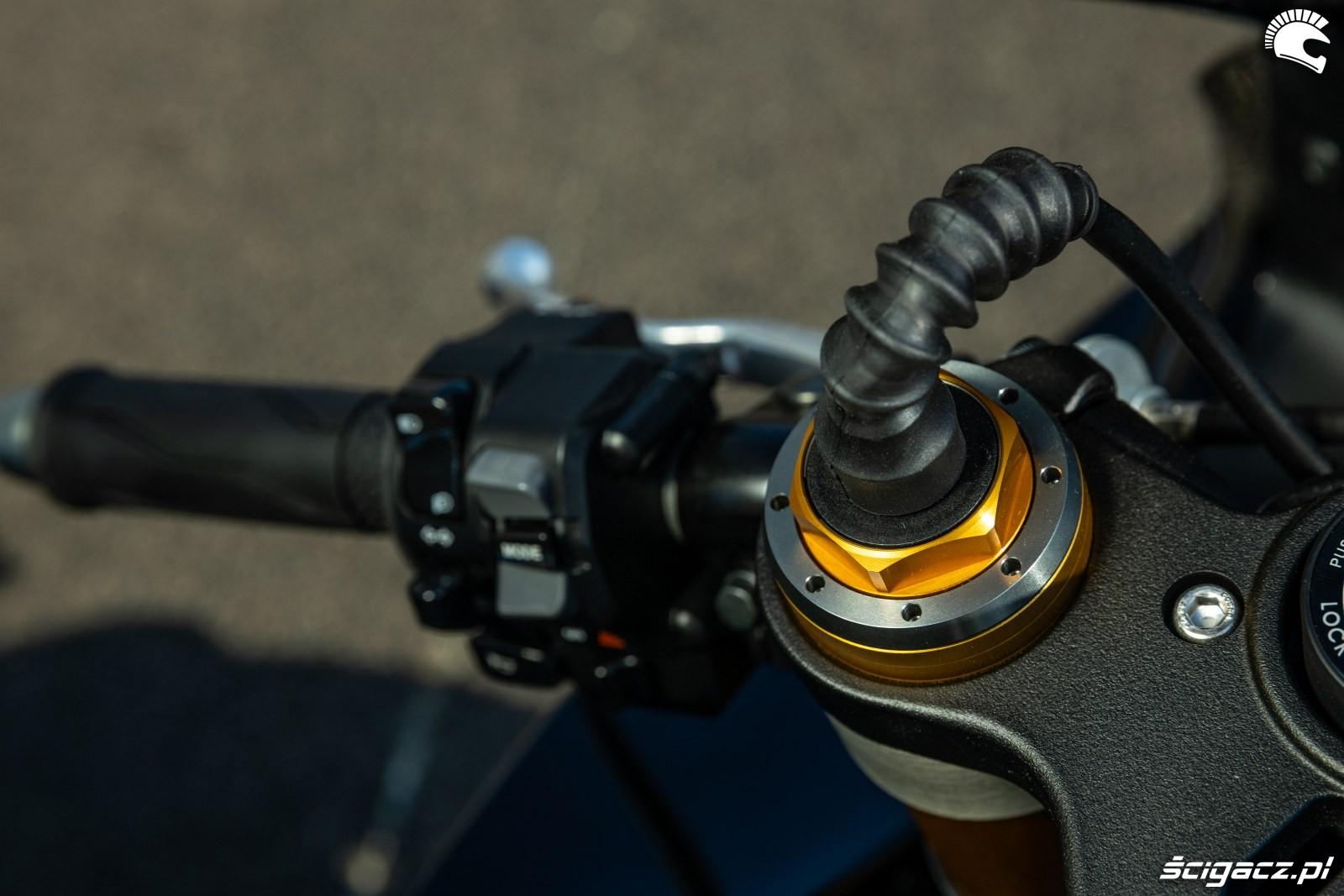 Yamaha R1 M 2020 detale 18