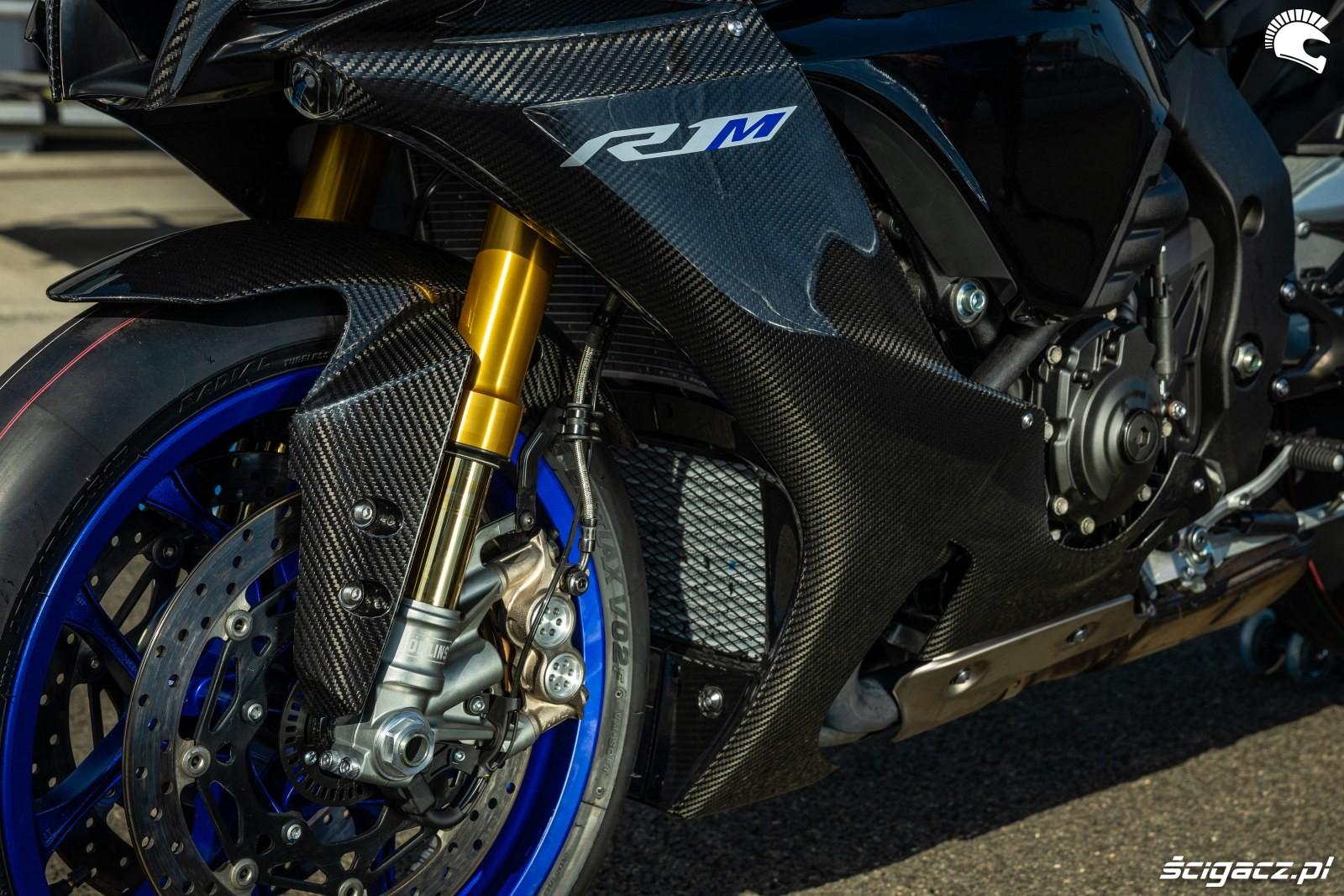 Yamaha R1 M 2020 detale 21