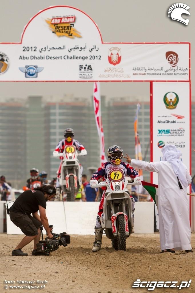 Abu Dhabi Desert Challenge 2012 na starcie