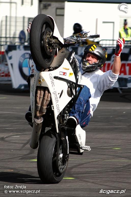 Buddy stunt show Intermot