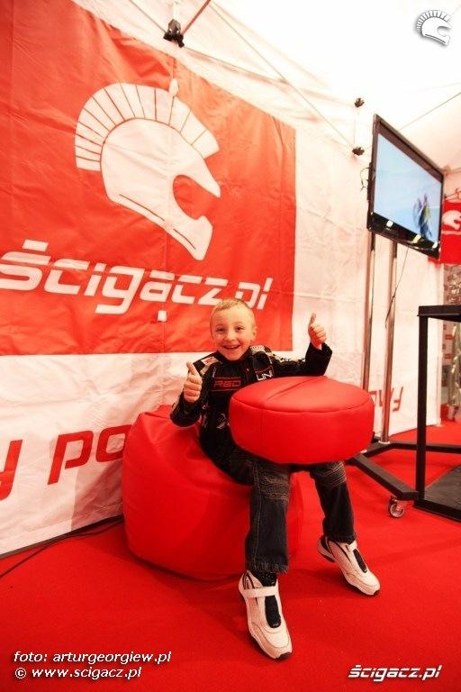 Piotrus Stunt Wheelieholix Targi Motocyklowe w Warszawie - III Ogolnopolska Wystawa Motocykli i Skuterow 2011